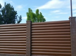 Забор (ограждения) из блок-хауса демное дерево в Киеве низкая цена от Арембуд